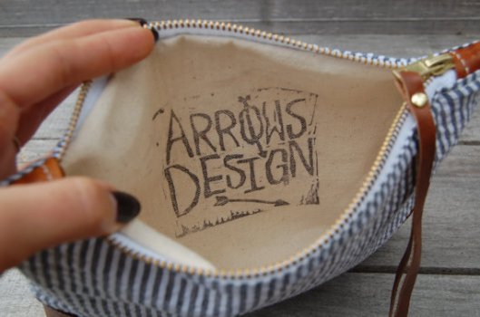 Zipper clutch by Arrows Design