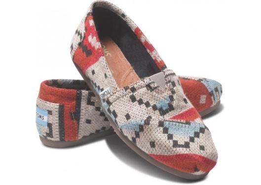 TOMS tribal knit women's classics